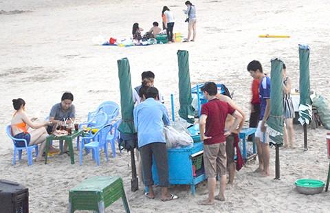 Vũng Tàu cấm nấu nướng, ăn nhậu bên biển - ảnh 1