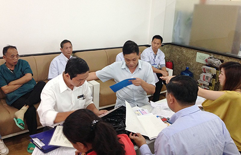 Bệnh nhân 'tố' phòng khám bác sĩ Trung Quốc - ảnh 1