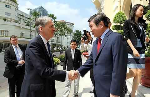 TP.HCM mong hợp tác với Anh về phát triển đô thị - ảnh 1