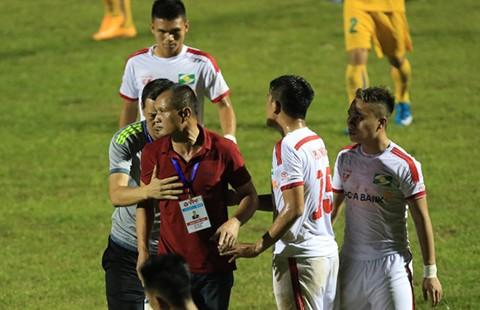 Vòng 10 Toyota V-League : SL Nghệ An vừa đá vừa run - ảnh 1