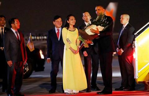 Tổng thống Obama đã tới Việt Nam - ảnh 1