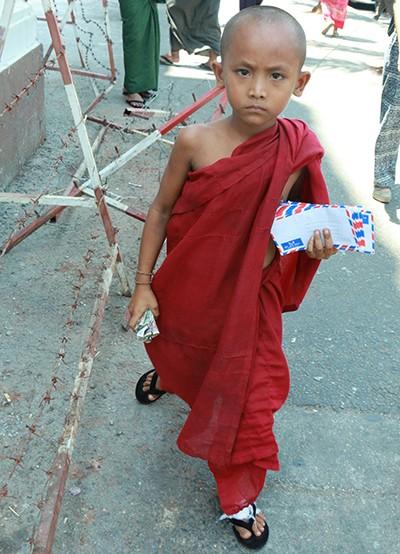 Bụi đời ổ chuột ở Myanmar - Bài 2: Ngôi chợ nghỉ ngơi - ảnh 1