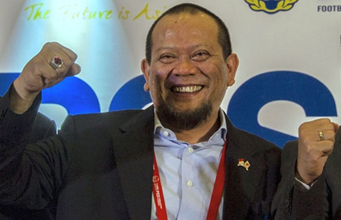 FIFA dỡ án phạt, Indonesia xử quan tham - ảnh 1