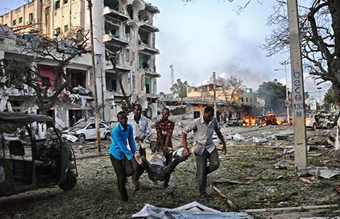 Khủng bố Al-Shabab tấn công khách sạn ở Somalia - ảnh 1