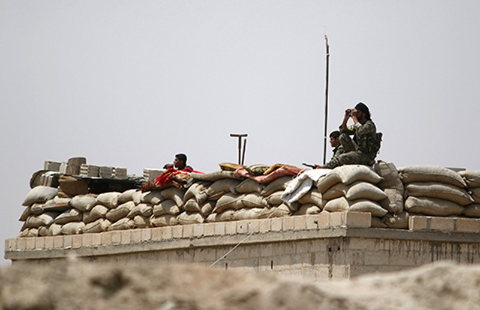 Nga và Mỹ quyết đánh bật IS khỏi hang ổ Raqqa - ảnh 1