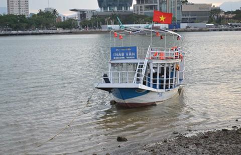 Sau vụ chìm tàu trên sông Hàn: Mối lo 'độ' tàu cá thành tàu du lịch - ảnh 1
