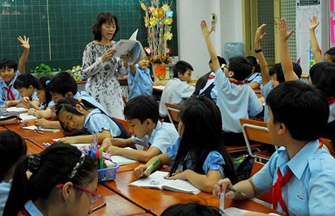 Muốn 'cắt' dạy thêm phải đổi cách đánh giá học sinh - ảnh 1
