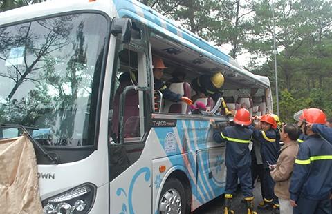 Tai nạn thảm khốc trên đèo Prenn, 7 người chết - ảnh 1