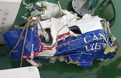 Vớt được ghế máy bay nghi là của CASA 212 - ảnh 1