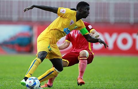 Vòng 13 Toyota V-League: Thanh Hóa tung nước rút mùa Euro - ảnh 1