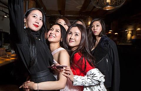 Giới trẻ siêu giàu Trung Quốc ùn ùn du học  - ảnh 1
