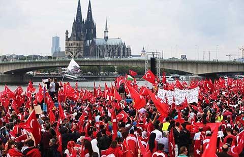 Đảo chính ở Thổ Nhĩ Kỳ, nước Đức lại bị liên lụy - ảnh 1