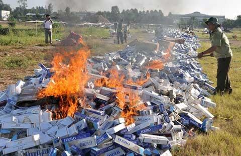 Buôn thuốc lá lậu trong nội địa: Tạm thời chưa xử! - ảnh 1