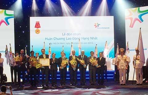 FrieslandCampina Việt Nam nhận huân chương Lao động hạng Nhất - ảnh 1