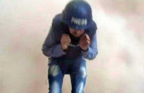 Phóng viên chiến trường của Al Jazeera thoát chết - ảnh 1