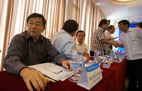 Hội nghị Ban Chấp hành VFF: Giữ được ghế thì… má đã sưng - ảnh 1