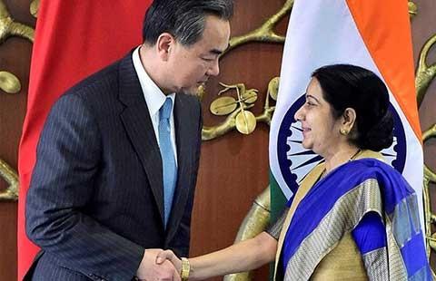 Trung Quốc muốn Ấn Độ im về biển Đông - ảnh 1