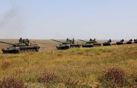 10 ngày đối đầu căng thẳng giữa Nga và Ukraine  - ảnh 1