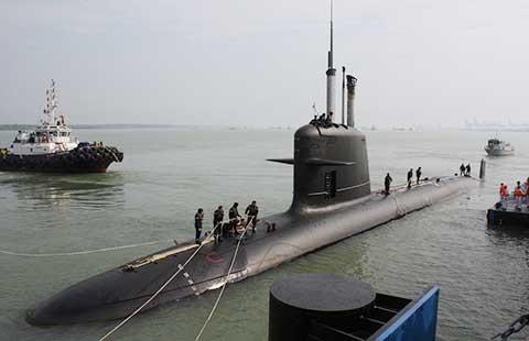 Đua nhau mua tàu ngầm để khai thác 'tử huyệt' của Trung Quốc - ảnh 1