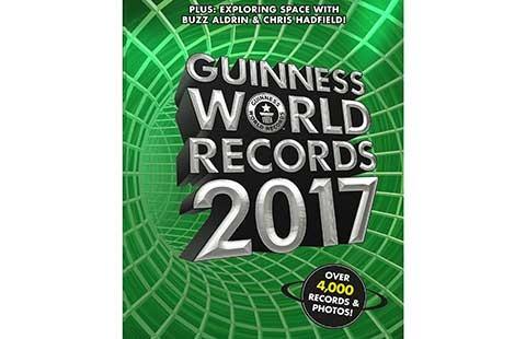 Sách Kỷ lục Guinness thế giới 2017 đến Việt Nam  - ảnh 1