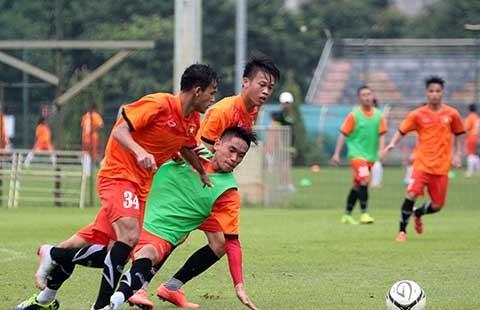 Giải vô địch U-19 ĐNÁ: Vừa đá vừa nhìn Úc và Thái Lan - ảnh 1