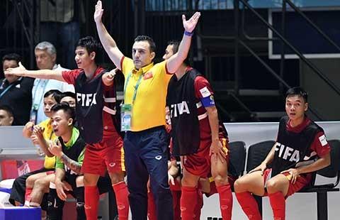 Futsal Việt Nam đi vào lịch sử - ảnh 1