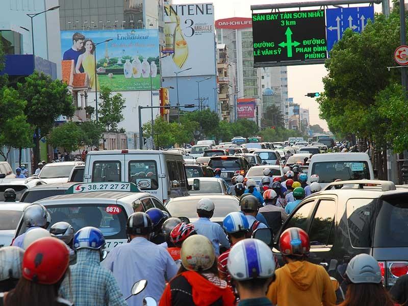 Không để chuyện kẹt xe ảnh hưởng sân bay Tân Sơn Nhất - ảnh 1