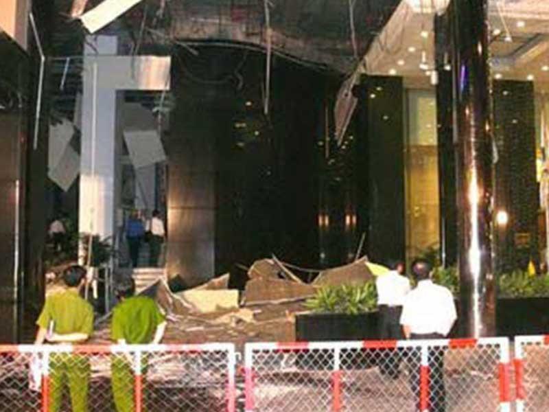 Chạy đua tìm lý do nổ khách sạn Caravelle - ảnh 1