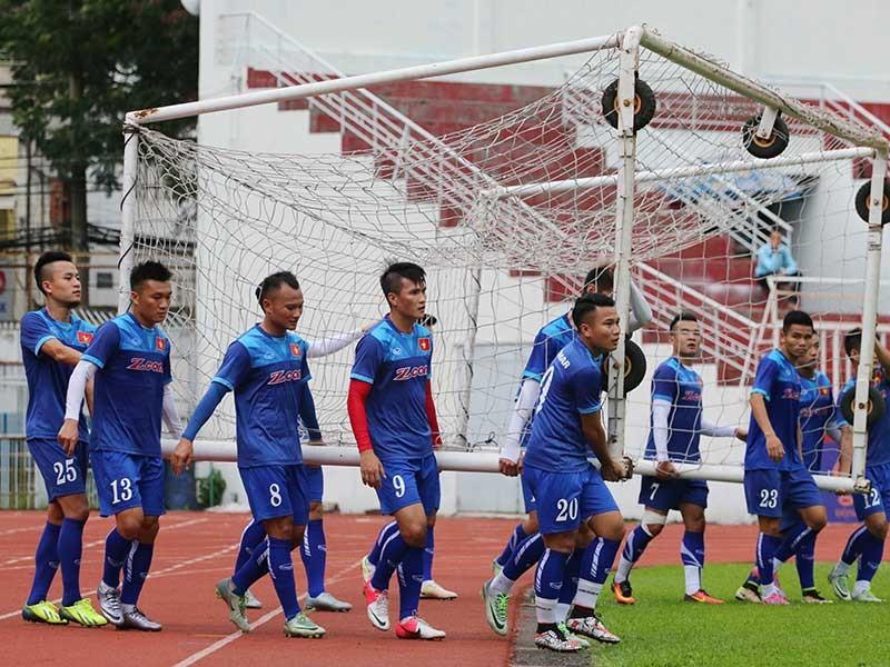 Đội tuyển Việt Nam gặp khó tại mưa! - ảnh 1