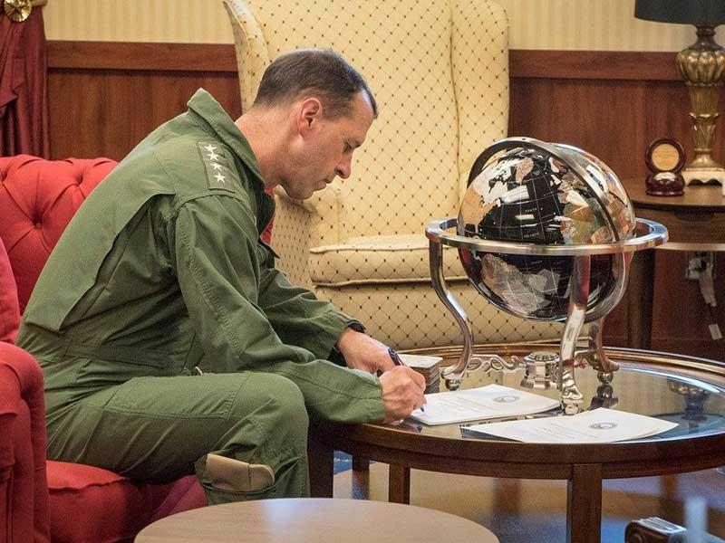 Đô đốc Mỹ muốn dàn xếp ở biển Đông - ảnh 1