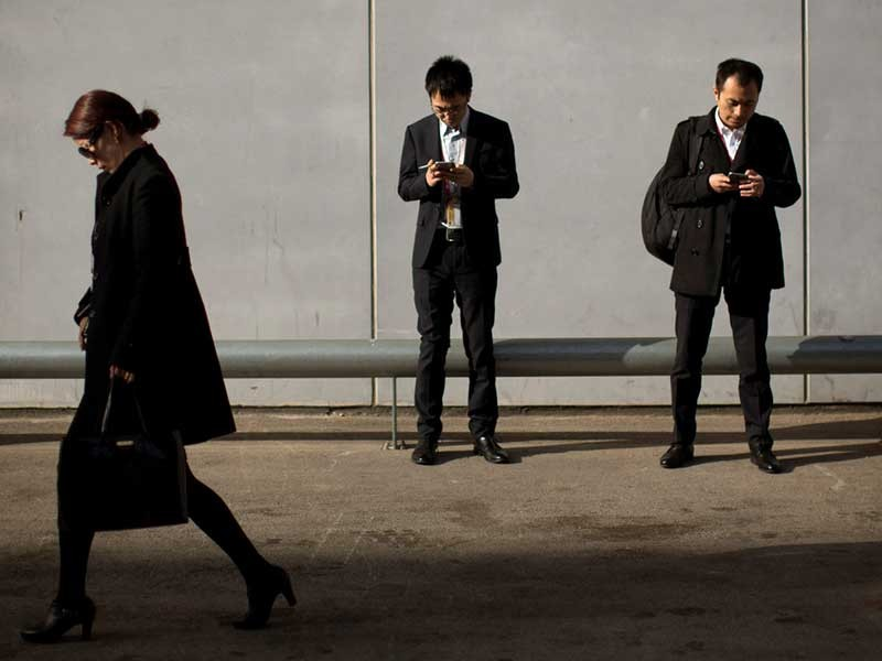 Điện thoại Mỹ bị do thám, gửi thông tin về Trung Quốc - ảnh 1