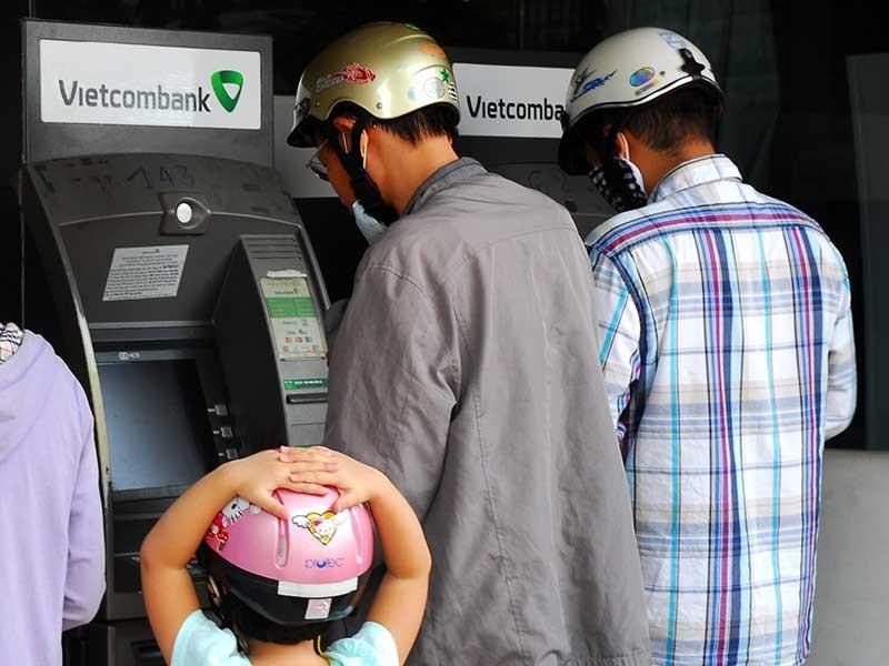 Mỗi ngày được rút tối đa bao nhiêu tiền thẻ ATM? - ảnh 1
