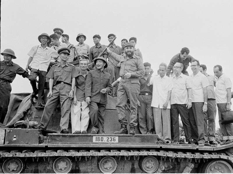 Chủ tịch Fidel với mối tình Việt Nam - Cuba - ảnh 1