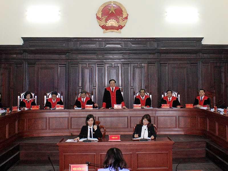 Nên cho hội thẩm mặc áo thụng khi xét xử - ảnh 2