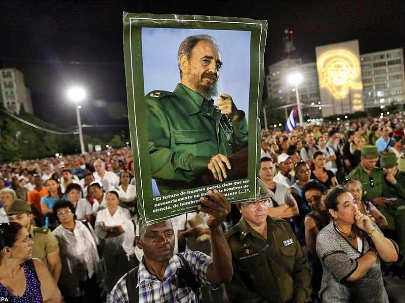 Tiễn đưa di hài lãnh tụ Fidel Castro về Santiago deCuba - ảnh 1