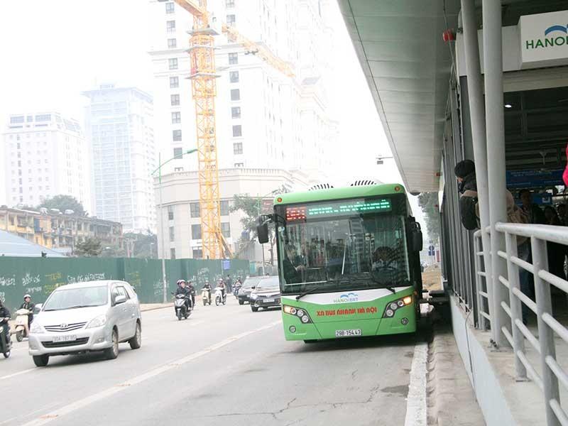 Các xe lấn buýt nhanh sẽ bị phạt - ảnh 1