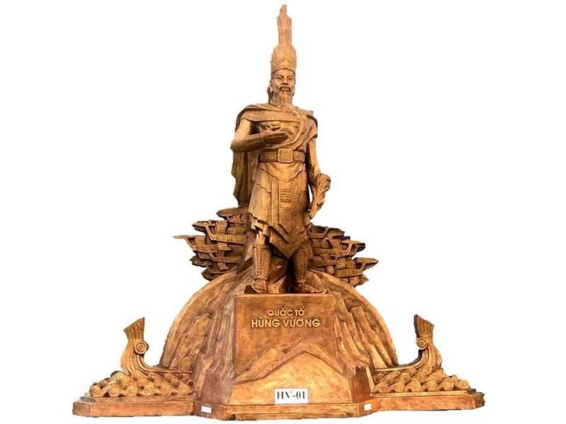 Trình mẫu phác thảo tượng đài Hùng Vương - ảnh 1