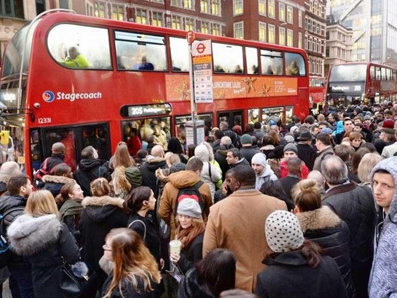 Tàu điện ngầm London tê liệt do đình công - ảnh 1