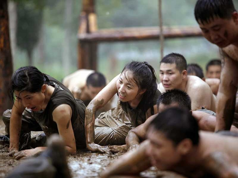 Trào lưu tỉ phú Trung Quốc thuê nữ cận vệ - ảnh 1