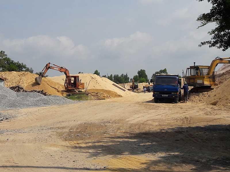 Chịu hết nổi 11 cơ sở kinh doanh cát gây ô nhiễm - ảnh 1