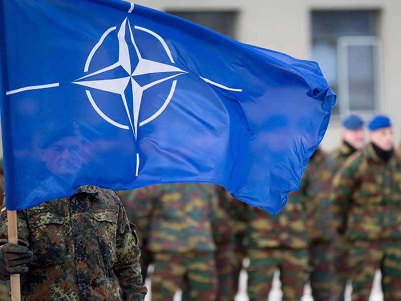 Ông Putin: NATO lôi kéo Nga vào thế đối đầu - ảnh 1