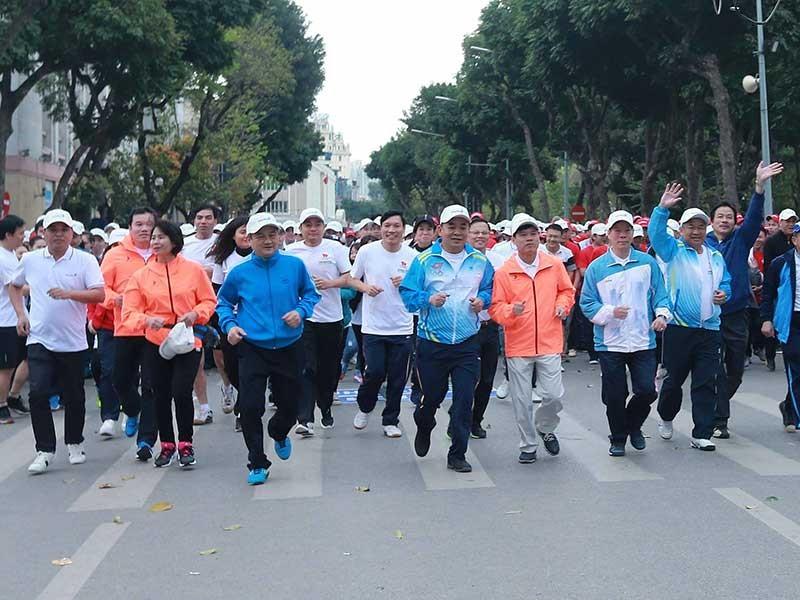 Hà Nội, TP.HCM hưởng ứng Ngày chạy Olympic 2017 - ảnh 1