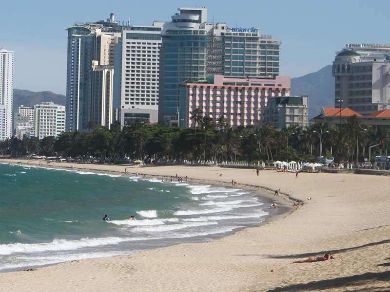 Lấn vịnh Nha Trang để bờ biển rộng hơn (!?) - ảnh 1