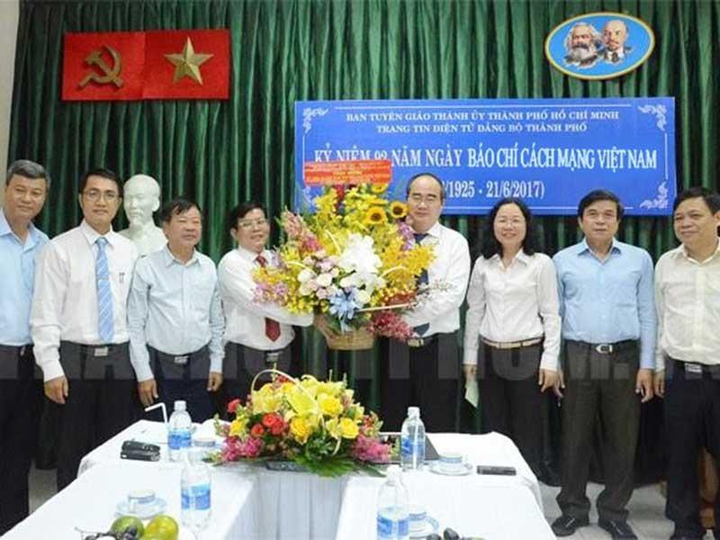 Bí thư Nguyễn Thiện Nhân thăm các cơ quan báo chí