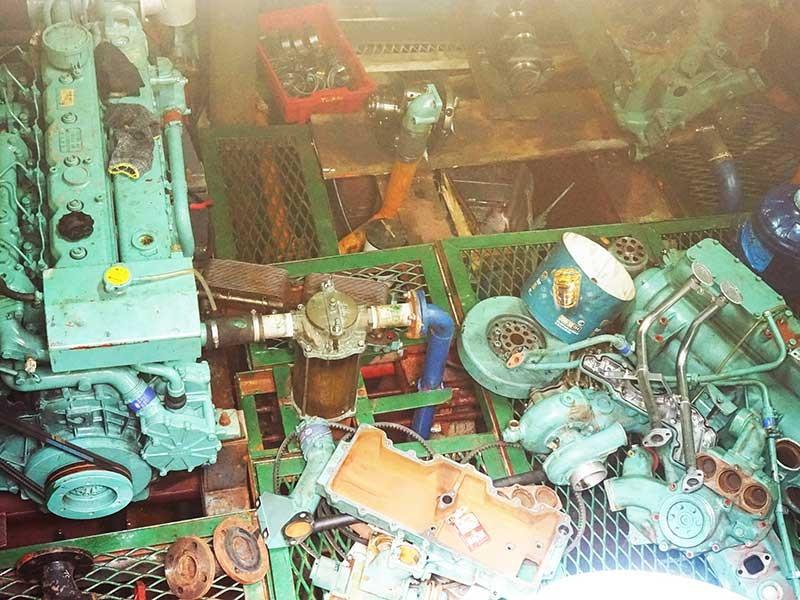 Vụ tàu vỏ thép:Các bên đổ thừa, không chịu thay máy mới - ảnh 2