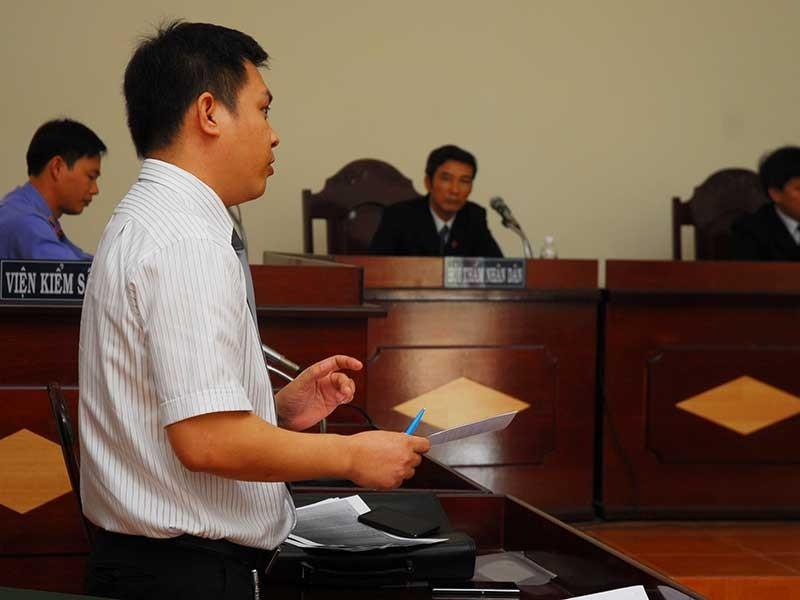 Thu hẹp phạm vi luật sư tố thân chủ - ảnh 1
