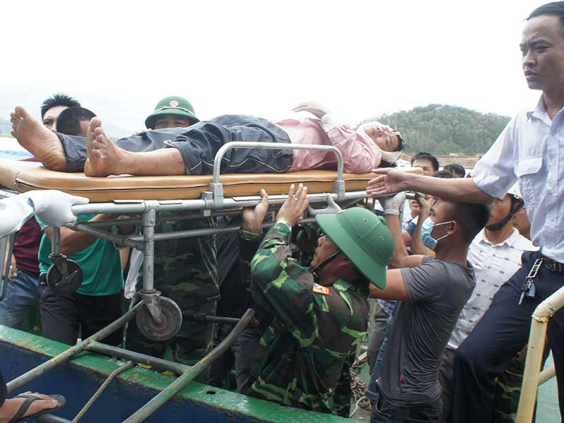 Nghệ An, Thanh Hóa tan hoang sau bão số 2 - ảnh 1