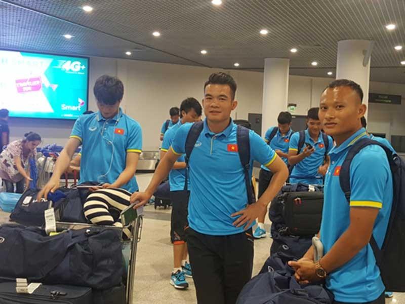 Đội tuyển Việt Nam tập nhẹ ở Campuchia - ảnh 1