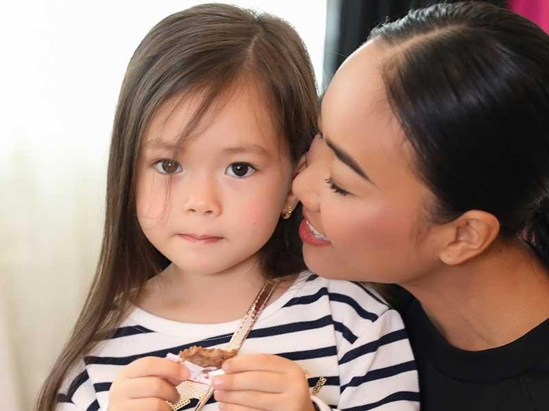 Con gái Đoan Trang bộc lộ năng khiếu thời trang - ảnh 1
