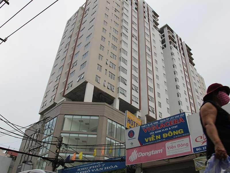 Không tháo dỡ phần xây sai phép tại chung cư Bảy Hiền - ảnh 1